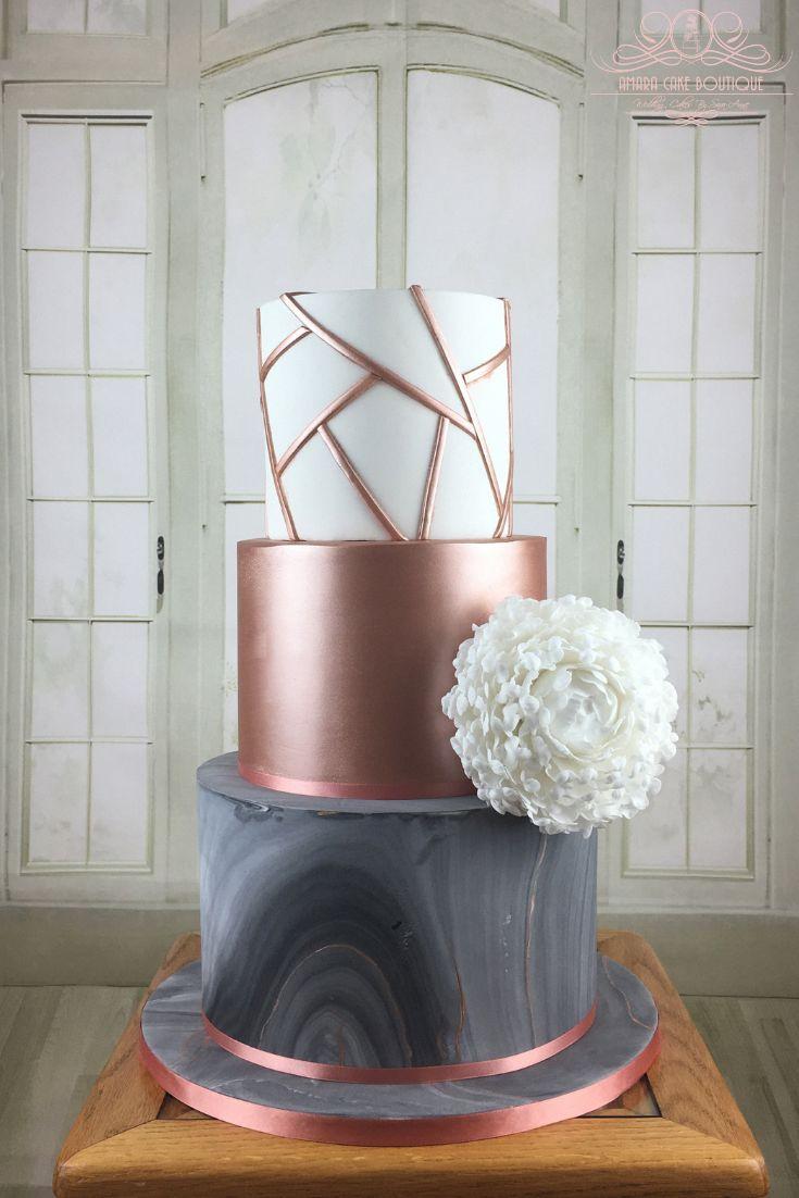 Moderne Hochzeitstorte mit geometrischem Design, Roségold und grauem Marmor …   – FOOD