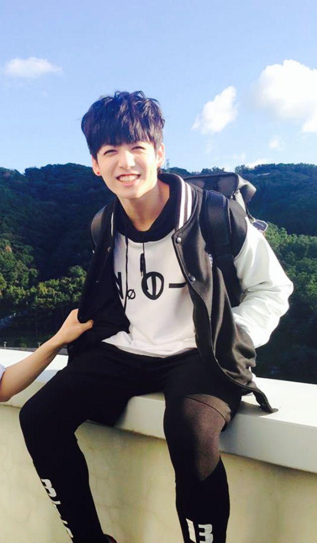 Bts jungkok bang tan boys everyone remember to vote for BTS FOR MAMA!!