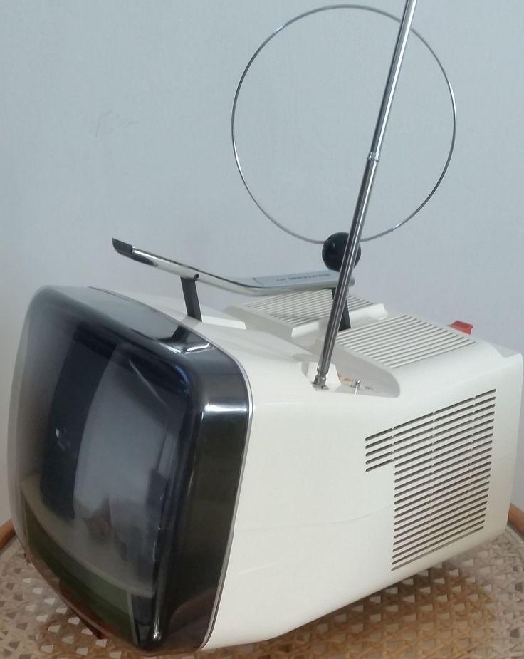 televisore brionvega algol 11 a colori anni 80