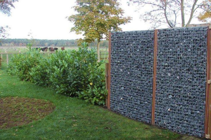 Een natuur schutting! Gaaselementen met steen, afgewisseld met groen! Behoud de natuur in je tuin! #natuur #schutting