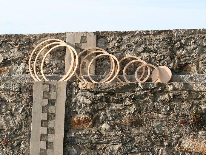 Design Judith Byberg #lightdesign #lamp #felt #nunofelt  Structure in wood
