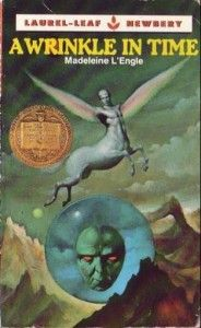 """This is the cover that """"A Wrinkle in Time"""" had when I was young. That's a lot of years ago.: Worth Reading, Childhood Books, Childhood Memories, Books Worth, Madeleine L Engl, Favorite Books, Children Books, Covers Art, Science Fiction Books"""