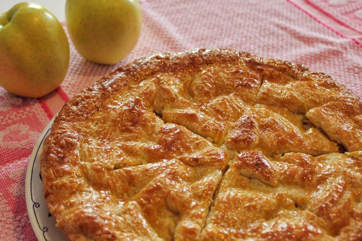 La crostata di mele irlandese è una variante della classica crostata di mele davvero deliziosa, dal sapore fresco e corposo. Ecco la ricetta ed alcuni consigli utili!