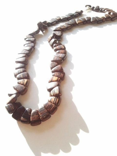 Men S African Wood Beaded Necklace The Jhoni Beaded