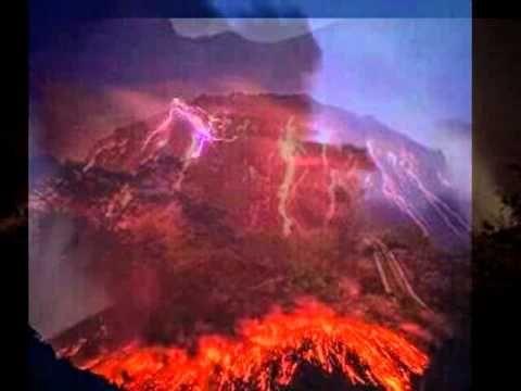 Dahsyatnya Letusan Gunung Kelud 13 Februari 2014
