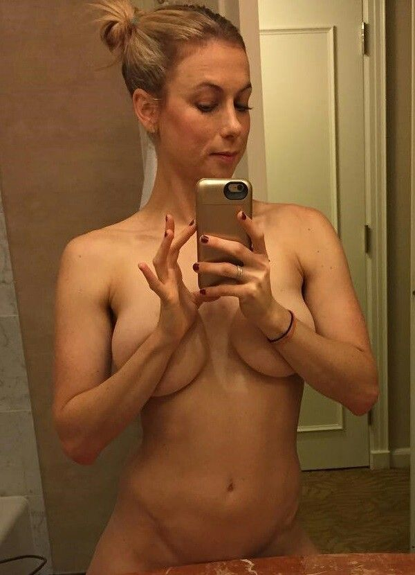 Pin By Bob Marley On Iliza Shlesinger In 2018 Pinterest Nude Sexy And Naked