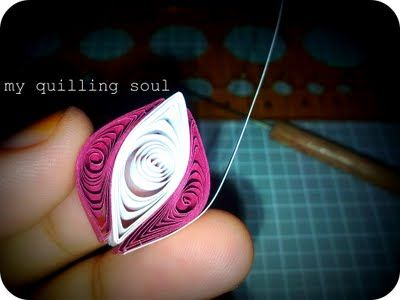 My Quilling Soul: 023: Two Tones Flower