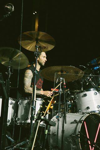 Adam Levine  Maroon 5  photos by Travis Schneider