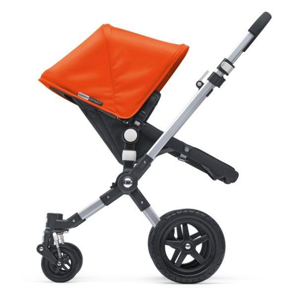 Der Bugaboo Cameleon ist ein Kombi-Kinderwagen, an dem Eltern und Kinder dank seiner Wandelbarkeit lange Freude haben werden. Dies relativiert auch die hohen Anschaffungskosten. Und dank der verschiedenen Designmöglichkeiten freut sich auch das Auge.