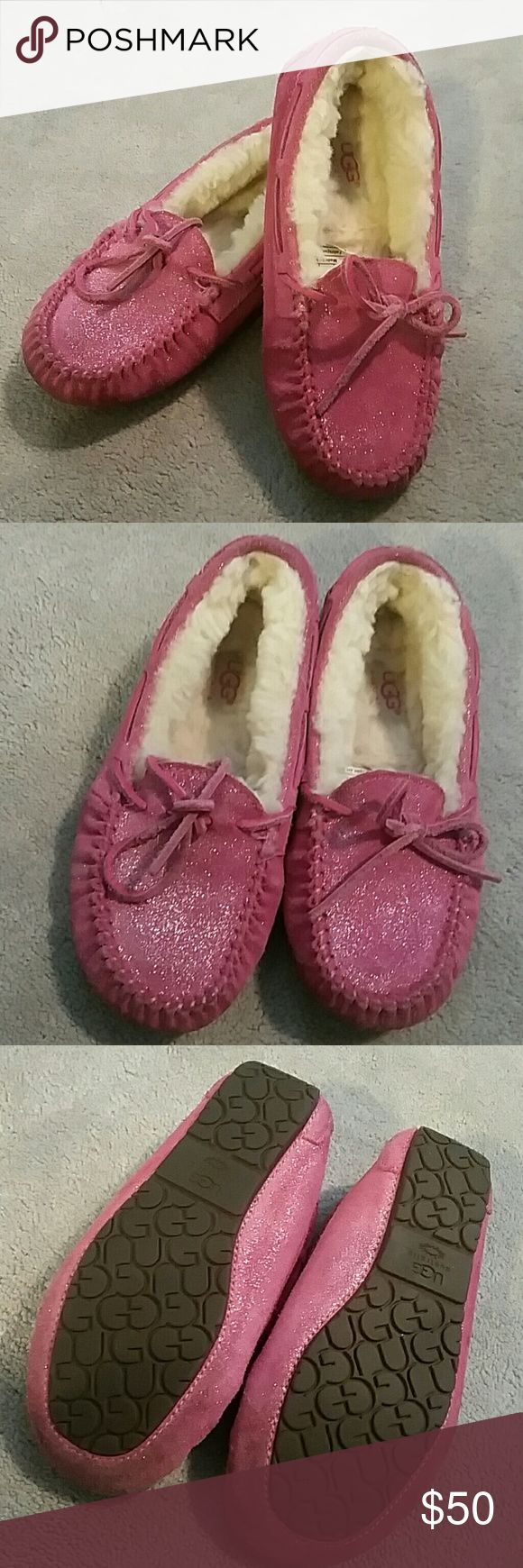 NWOB Kids UGG Dakota Glitter Slippers/Moccasins: 1 Brand new, never worn, no box, from a smoke and pet free home  Dakota UGGs in glitter magenta, super cute and shimmery!  Please note, color is slightly deeper in person, check online for clarity, or feel free to ask questions!  Kids size 1 UGG Shoes Moccasins
