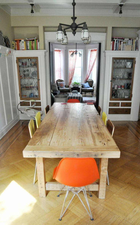 Emma & Mike's Whimsical Home in Brooklyn - sillas para la cocina