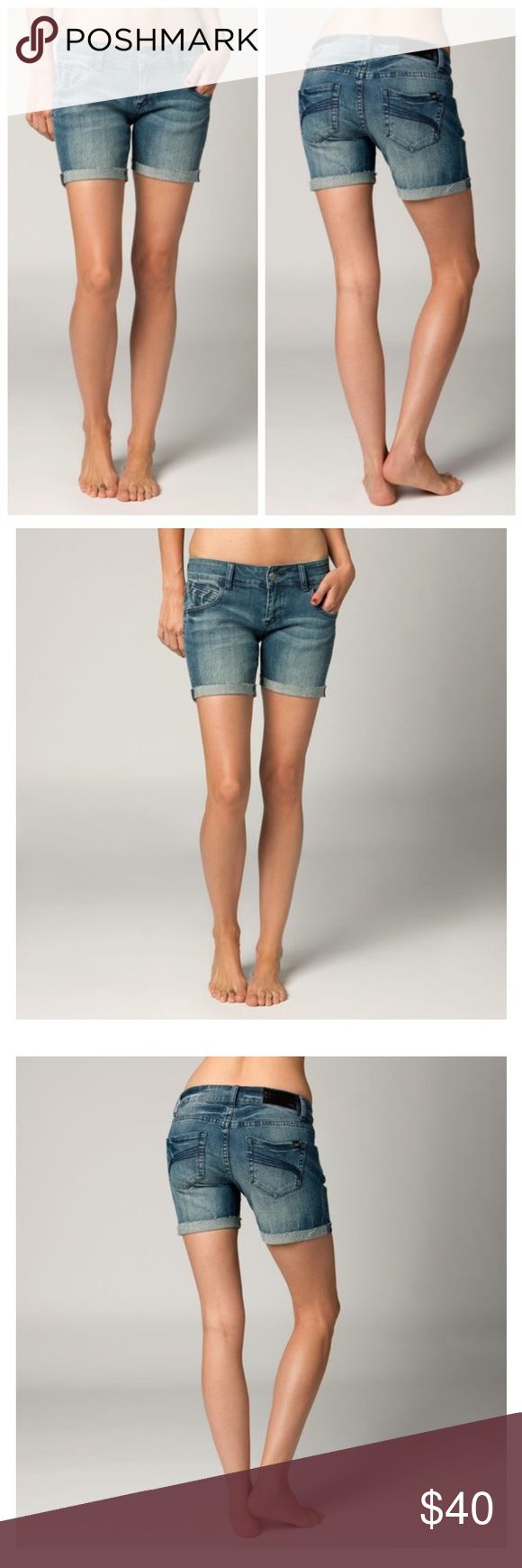 """🆕FOX RACING WOMENS KICKSTART DENIM JEAN SHORTS The Kickstart shorts are the perfect pair of denim if you're looking for a longer fit.  FEATURES  Fox Denim patch with hammered nail heads at back of waistband 5.5"""" inseam 98% cotton/2% Spandex Fox Jeans"""