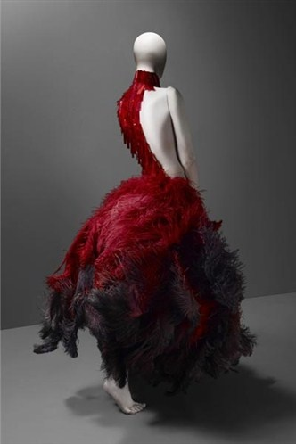 vestido by alexander mcqueen