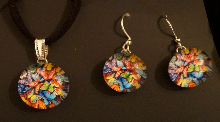 Beautiful piece of jewelry. Fused glass jewelry with Sterling Silver. Pendant + earrings $42. Available at https://www.etsy.com/ca/shop/amaruaccessories