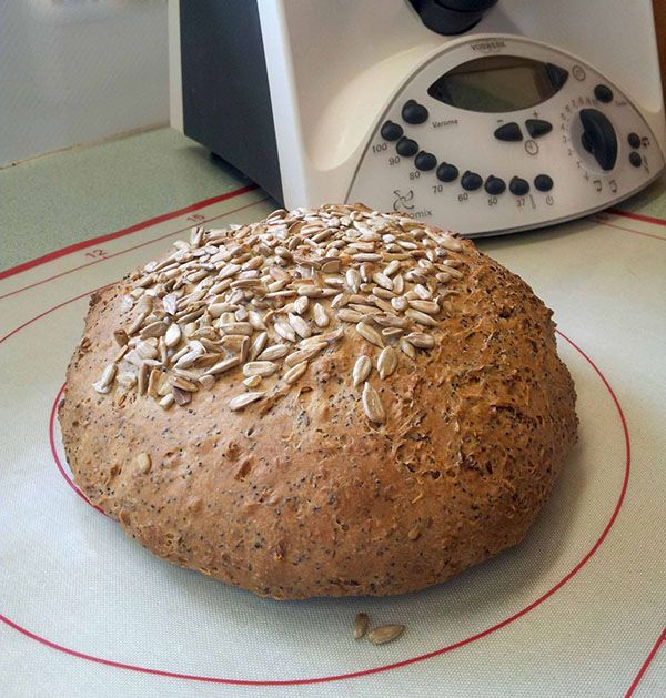 Semolina-Seeded-Bread-1-small