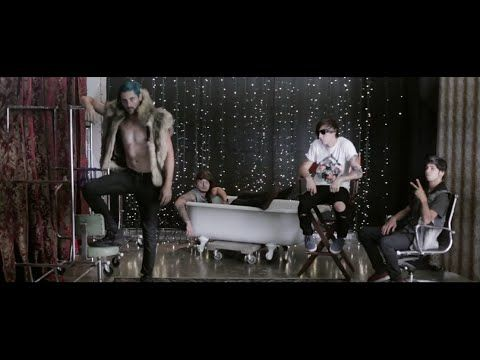 """Punk Goes Pop Vol. 6 - Youth In Revolt """"Royals"""" Music Video I FUCKING LOVE IT!!!!"""
