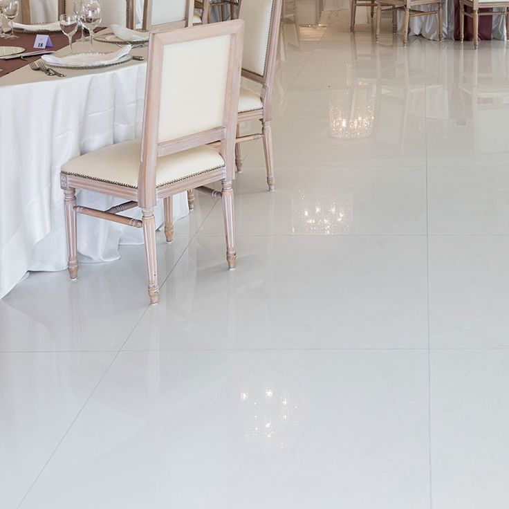 Large-size tiles and modular formats of Titanium White are perfect for any floor and wall.