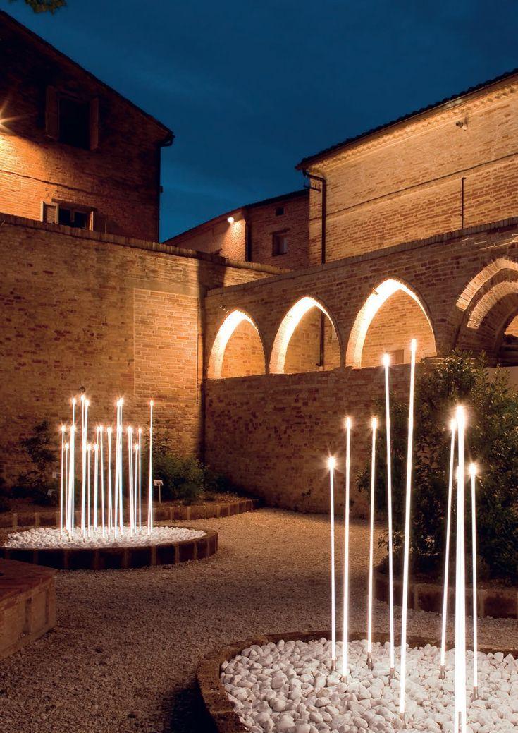 Decorazione luminosa a led per spazi pubblici TYPHA by iGuzzini Illuminazione design Susana Jelen, Eduardo Leira