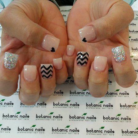 NICE NUDE with Chevron and glitter  #nudepolish #heartmani #glitter - bellashoot.com