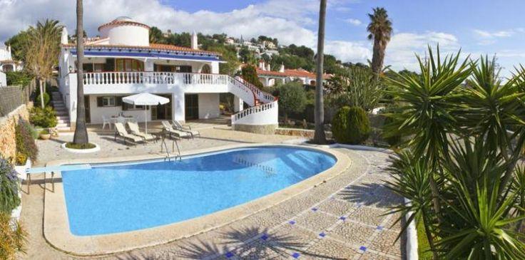Villa de vacaciones en Alaior. 5 Dormitorios + 5 Baños + 10 Plazas > http://www.alwaysonvacation.es/alquileres-vacaciones/1692002.html?currencyID=EUR #AlwaysOnVacation #Verano #IslasBaleares