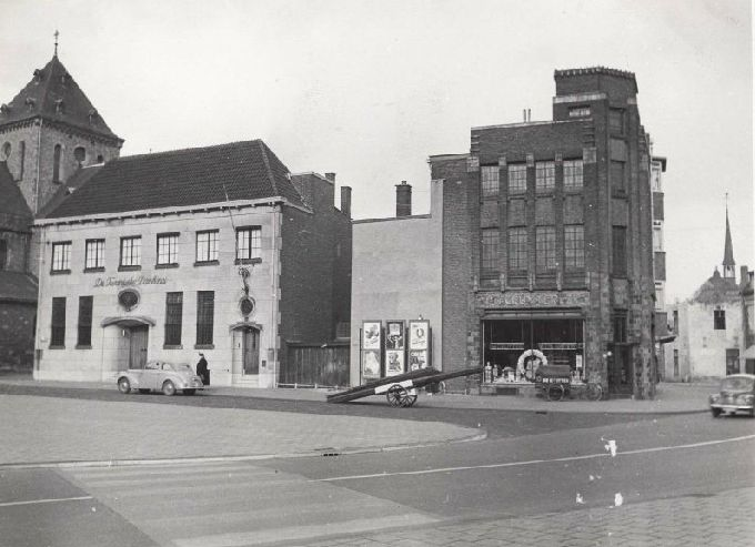 De Gruyter aan het Emmaplein in Heerlen (huidig Pancratiusplein)