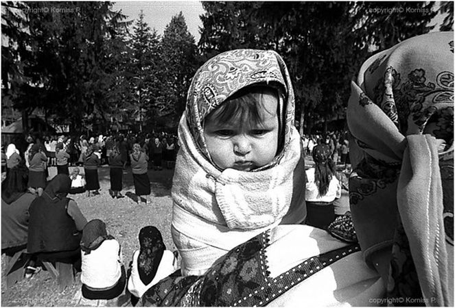 Baby at open air mass (1975)