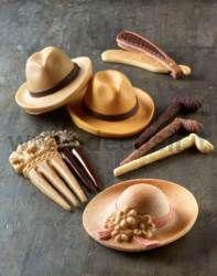 #Stampo  in silicone a forma di #Cappello da donna, da uomo, #bastone da passeggio e #fermacapelli. Puoi realizzarli in #cioccolato o in pasta di zucchero per abbellire una torta, o per creare dei dolci regali per la #Festadellamamma e #FestadelPapà.