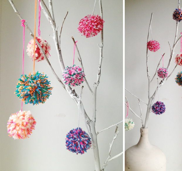 #Pimpelwit : #buitenleven # pompons #christmasdecoration Made by www.pimpelwitstyling.blogspot.com