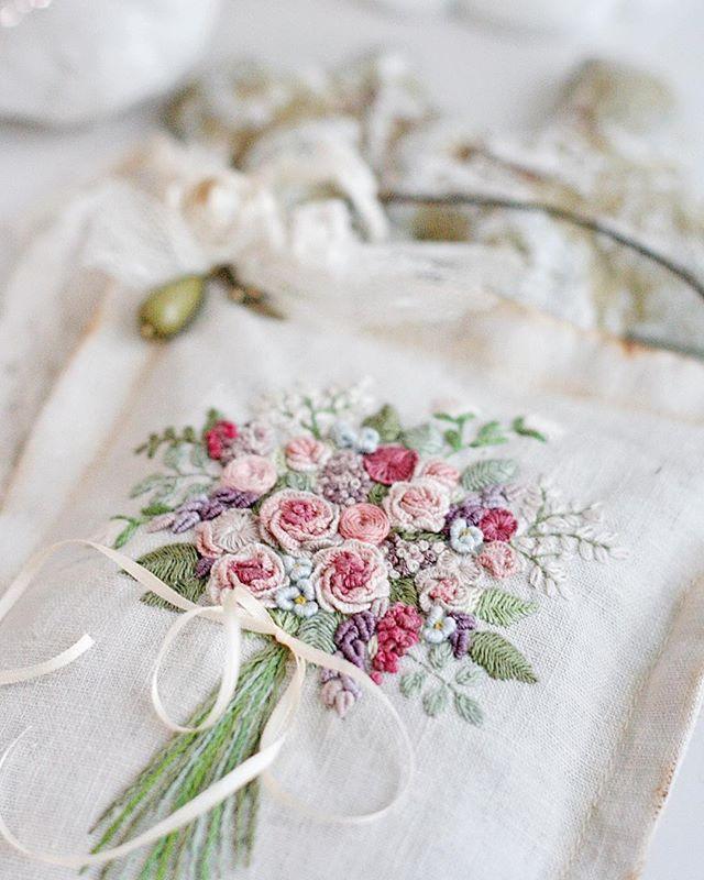 WEBSTA @ sinkevich_nadia - #вышивка #цветы #рококо #гладь #embroidery #vintagestyle #embroideryart #handenbroidery