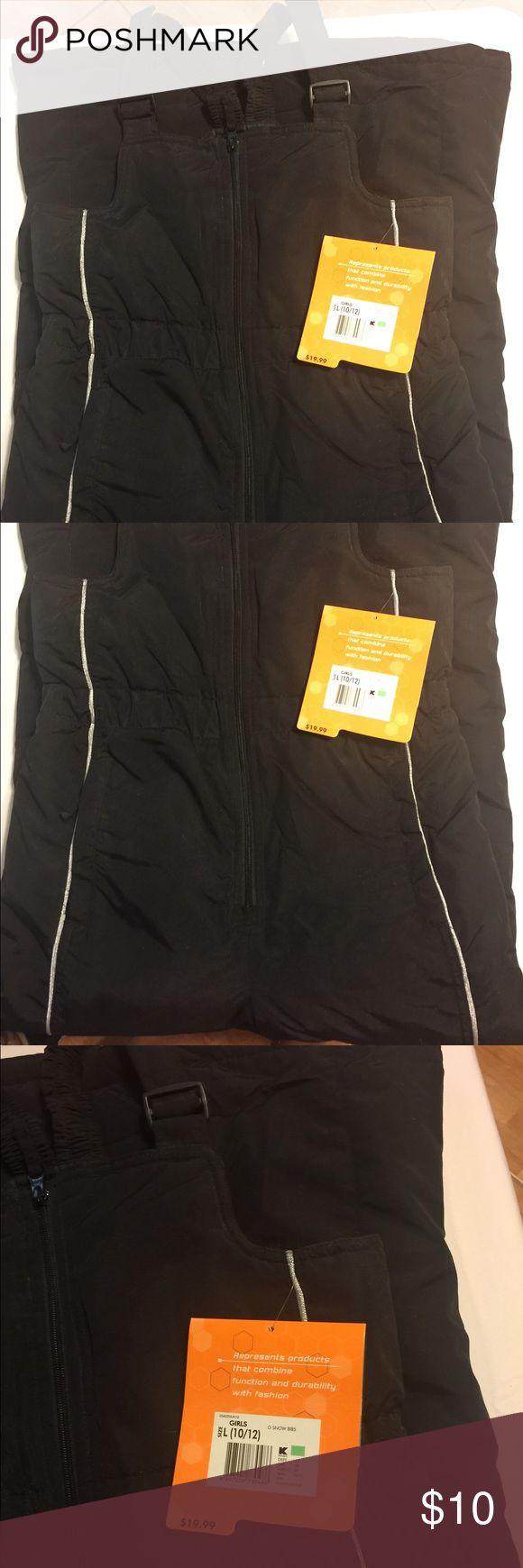 Size Large girls black Snow Suit, NWT Size Large girls black Snow Suit, NWT, purchased but never worn. Athletech One Pieces