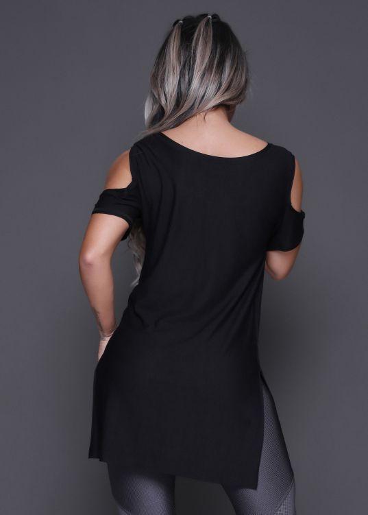 Camiseta Alongada Lisa com Ombro de Fora - Donna Carioca - Moda fitness com  preço de 5209cc0967e