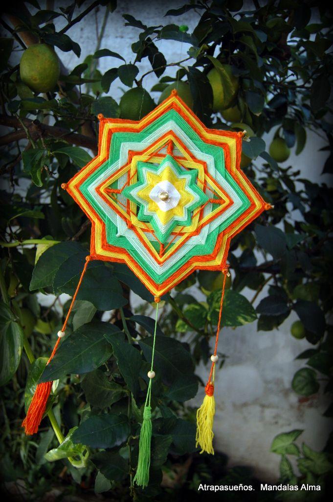 Atrapa sueños: Mandala tejida