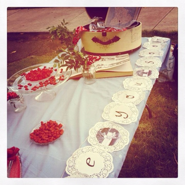 'See you soon' picnic table decor.