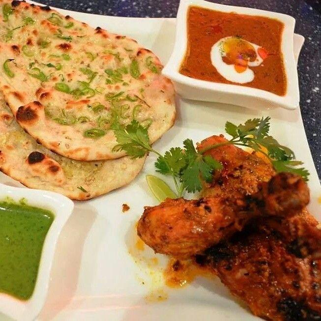 Tandoori chicken and naan bread and chutney