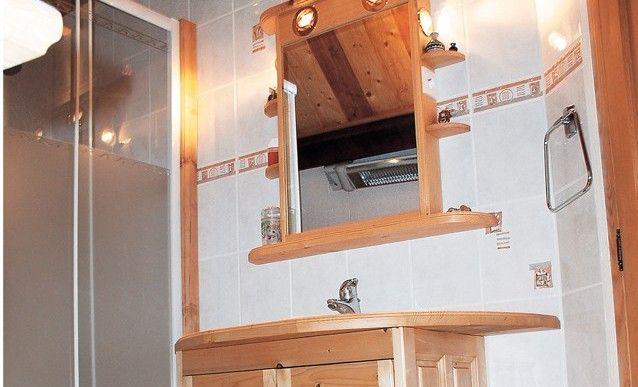 DIY  Un meuble de toilette lumineux