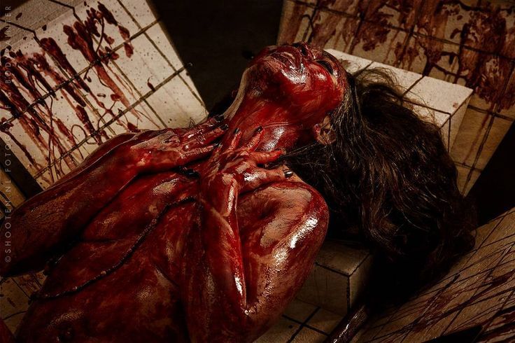 Will all great Neptune's ocean wash this blood clean from my hand? ~ Macbeth  Photo: @shooten.nl_bodypaints | Léon Honings  #islamodello #blood #alternative #model #modeling #filipina #netherlands #photography #photoshoot #elizabethbathory #theme #movie #film #inspired http://butimag.com/ipost/1553608595520918566/?code=BWPhslIBJQm