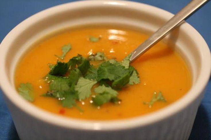 Egy forró, vitamindús levesnél nincs is jobb orvosság ebben a hideg időben.