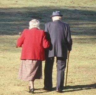 Resultado de imagem para casal de idosos