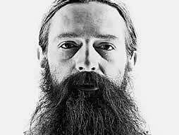 Aubrey de Grey, British researcher on aging, claims he has drawn a roadmap to defeat biological aging. He provocatively proposes that the first human beings who will live to 1,000 years old have already been born.