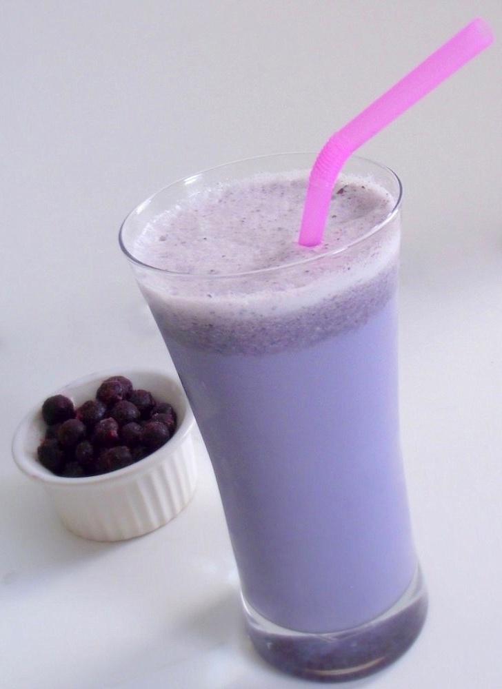 Blueberry Milk!: Blueberries Milk, Blueberries Farms, Yummy Drinks, Blue Milk, Yummy Recipe, Coconunt Milk, Blueberries I M, The Farm, Almonds Milk
