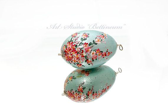 Easter egg with flowers turquoise by Bettineum on Etsy