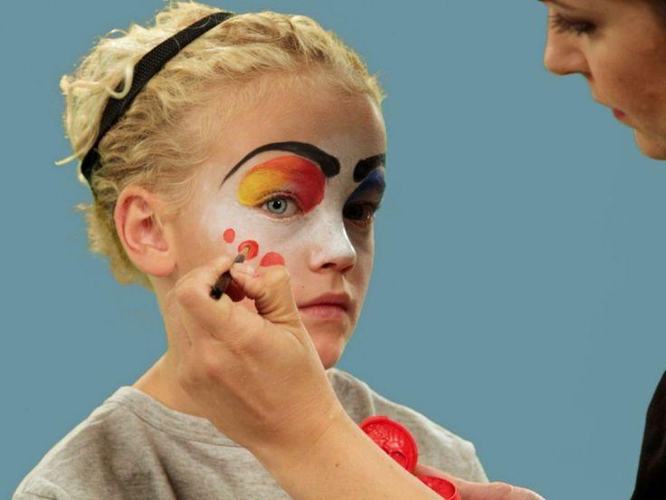 immagini-trucco-halloween-bambini-base-bianca-punti-rossi-sopracciglia-nere-elatico-nero