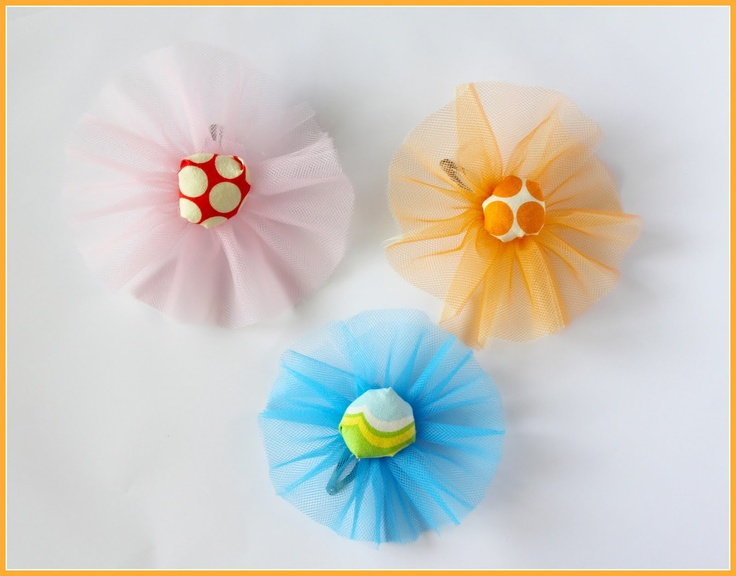 These are adorable!! I think I would use fabric covered buttons instead. meg + andy: Happy Hair Clips part 1Hairbows, Ideas, Tulle Hair, Hair Clips, Tulle Flowers, Hair Bows, Hair Accessories, Hairclips, Happy Hair