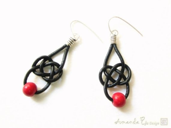 celtic knot earrings, I want to try making these, the knot is quite easy to figure out