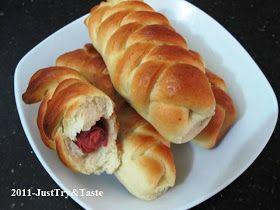 Roti Isi Sosis Sapi