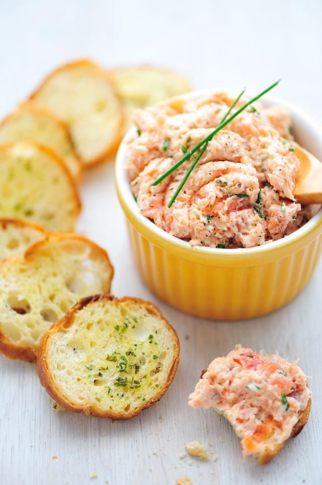 Crunchy Salmon Sandwich Spread with Bell Pepper and Celery