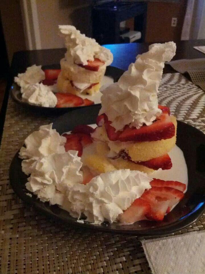 Shortcake et son chapeau blanc