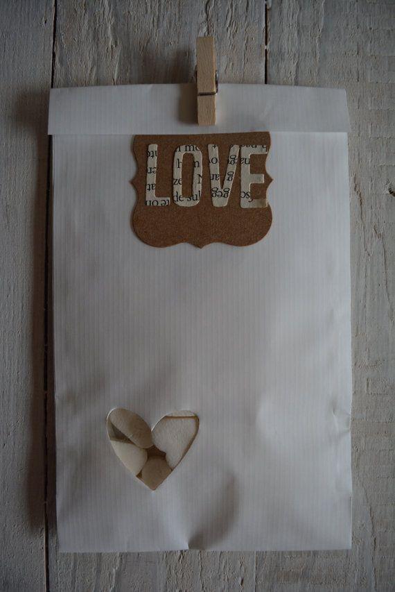 Witte Kraft papieren zakjes met een heart venster in een bundel van 100 compleet met cellofaan zakjes - Bruiloftsbedankje of doopsuikerzakje