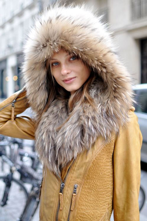 Faux Fur, Fur Coats, Fashion, Fur Hoods, Winter Style, Street Style, Leather Jackets, Winter Coats, Give Selezneva