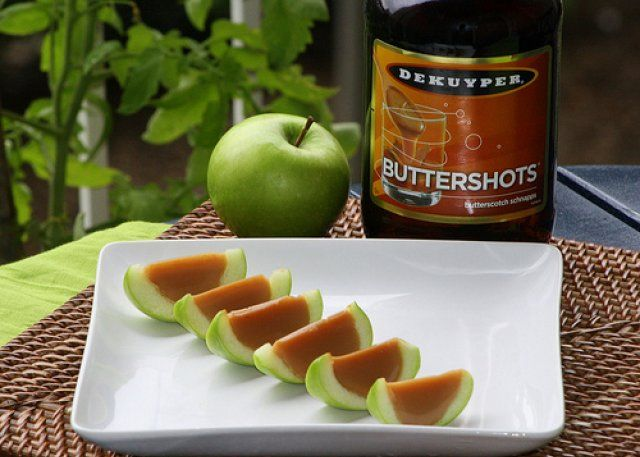 caramel apple jello shots!